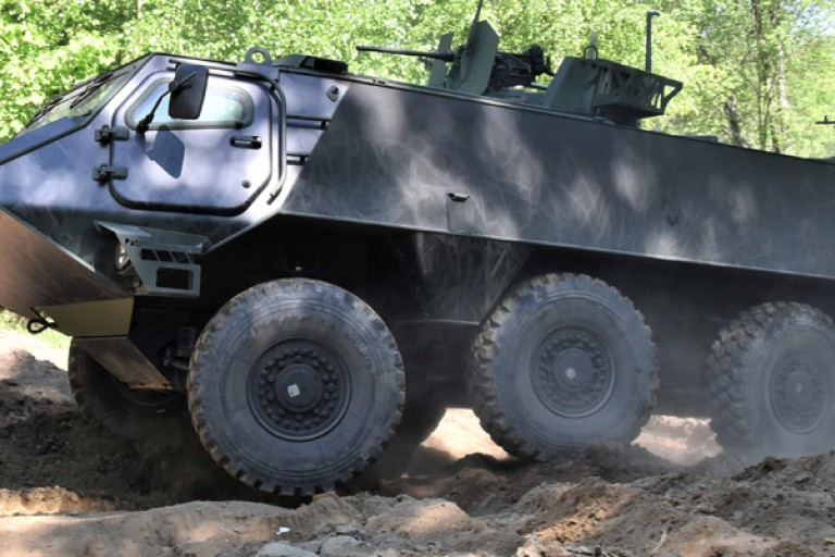 patria-6x6-vehicle-liftup